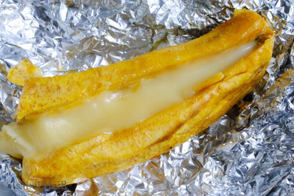 Gebackene Kochbanane und Tajadas