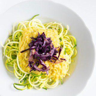 Curry Zucchini- Spaghetti: erste Eindrücke mit dem Spiralschneider