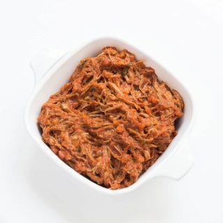 Venezolanische Carne Esmechada (Gezupftes Rindfleisch)