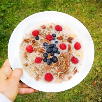 Frühstückshaferbrei (Zimt-Haferbrei mit Obst)