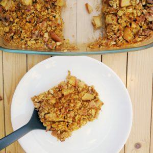 Gebackene Haferflocken mit Apfel, Karotten und Walnüsse (Vegan)
